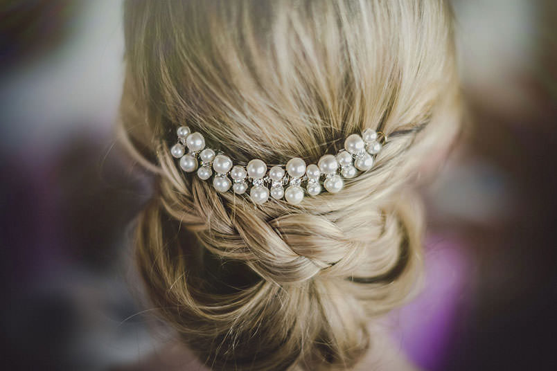 A modern vintage wedding in Italy: the bride's hairdo