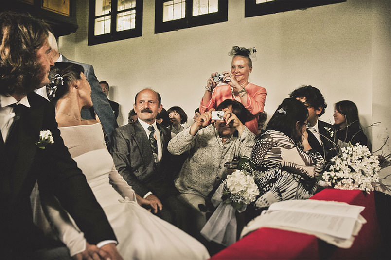 Boho weddings: people during the ceremony