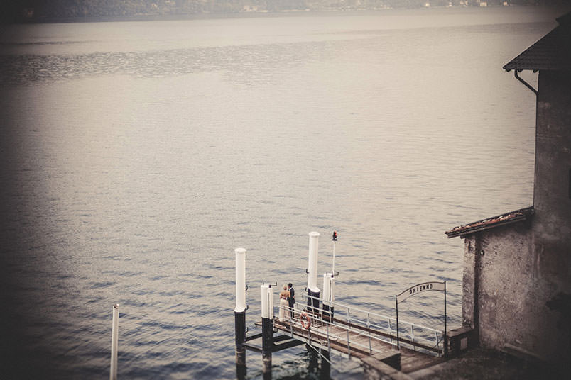 Wedding photography: the bride and groom. Shooting on Lake Como, Italy