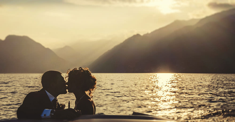 Lake Como: wedding shooting on the boat.