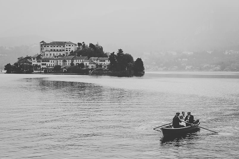 Orta San Giulio, Lake Orta: wedding scene: the arrival of the bride on a boat.