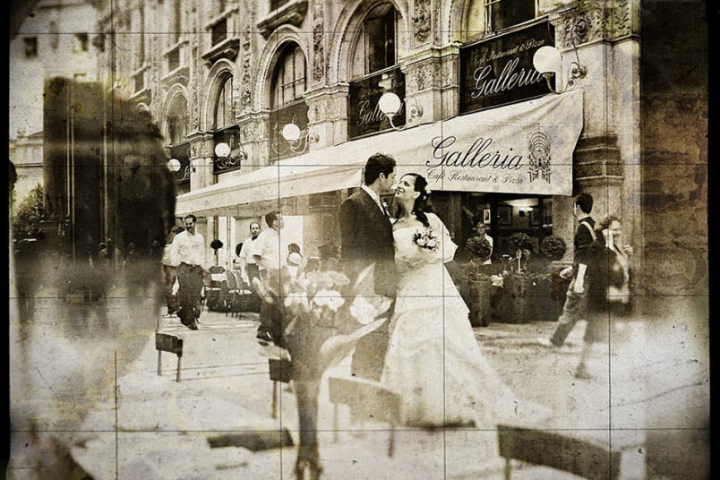Wedding under the Galleria Vittorio Emanuele. Milan, italy