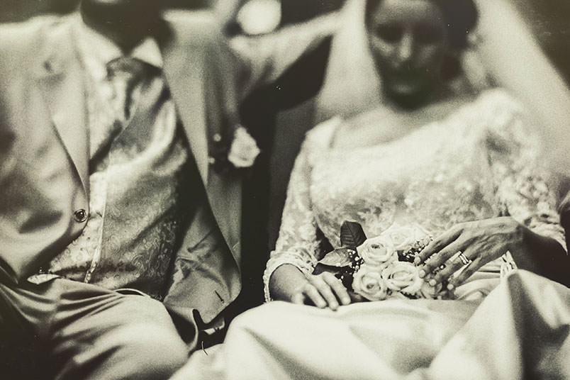 Venice: unconventional wedding photography. Freelensing, the bride and groom.
