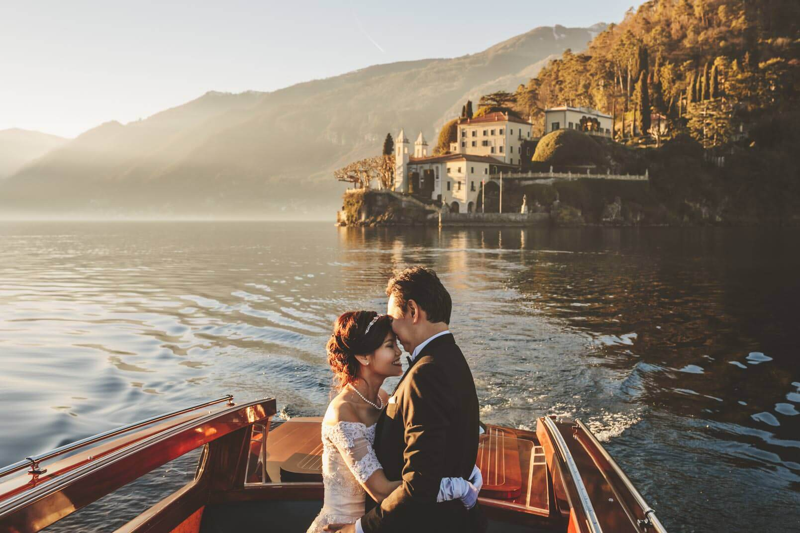 Villa Del Balbianello. Lake Como. Couple photo shooting during a wedding.