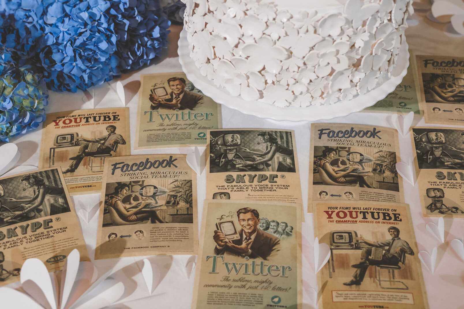 Overview on the vintage social cards used at this 1960s mood wedding. Imaginary retro future ads are from Facebook, Twitter, Skype and YouTube. Where is Instagram?